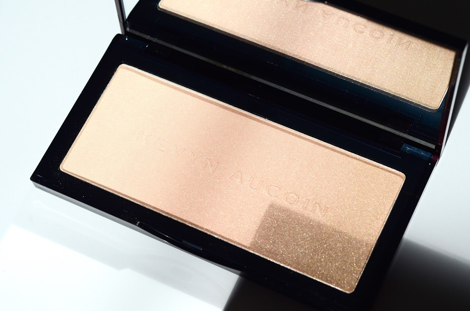 Iluminador Kevyn Aucoin Kevyn Aucoin Neo Highlighter Neo Limelight Swatches Review