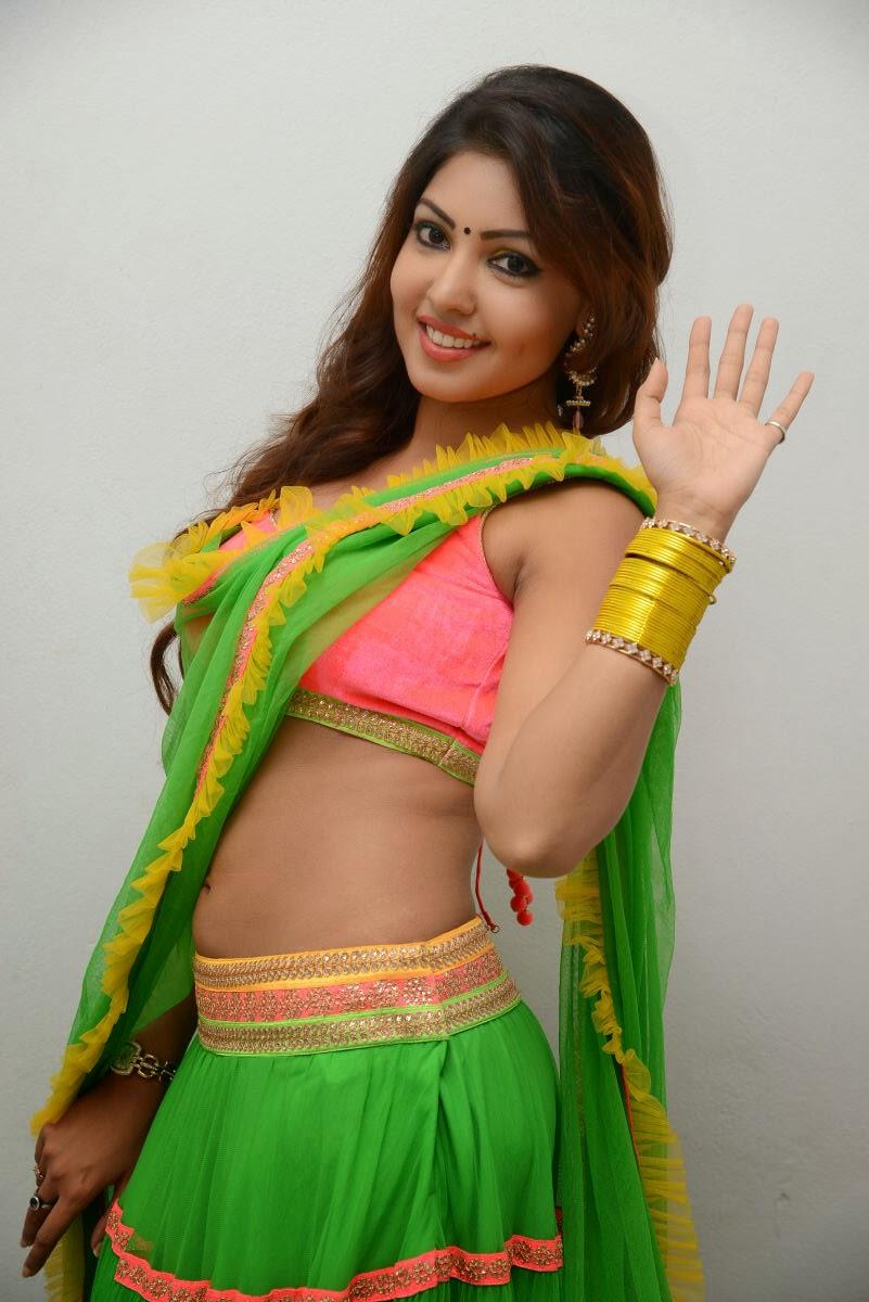 18 actress komal jha - photo #5