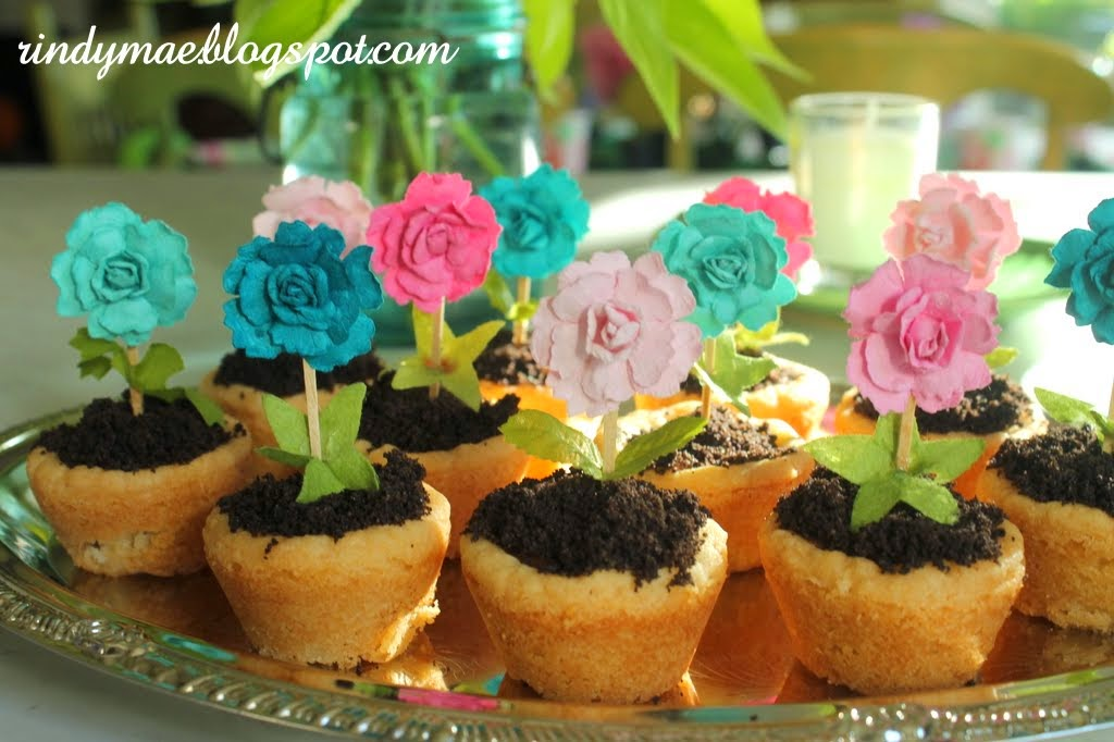 Rindy Mae: A Flower Party