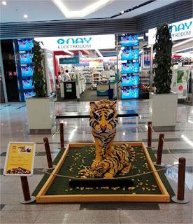 Una de Navidades blancas y Lego tigre de Lego