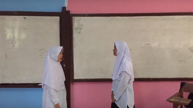12 Contoh Percakapan Bahasa Inggris 2 Orang Di Sekolah Dan Artinya