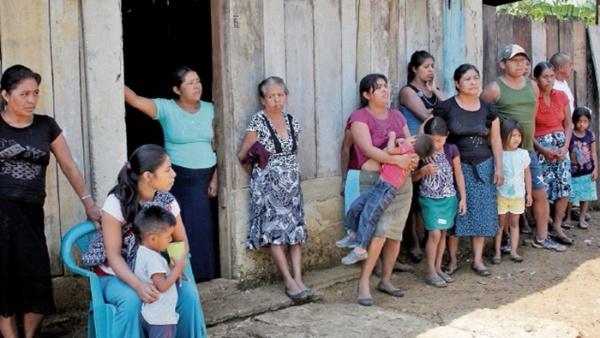 Refugiados guatemaltecos en México esperan ser repatriados