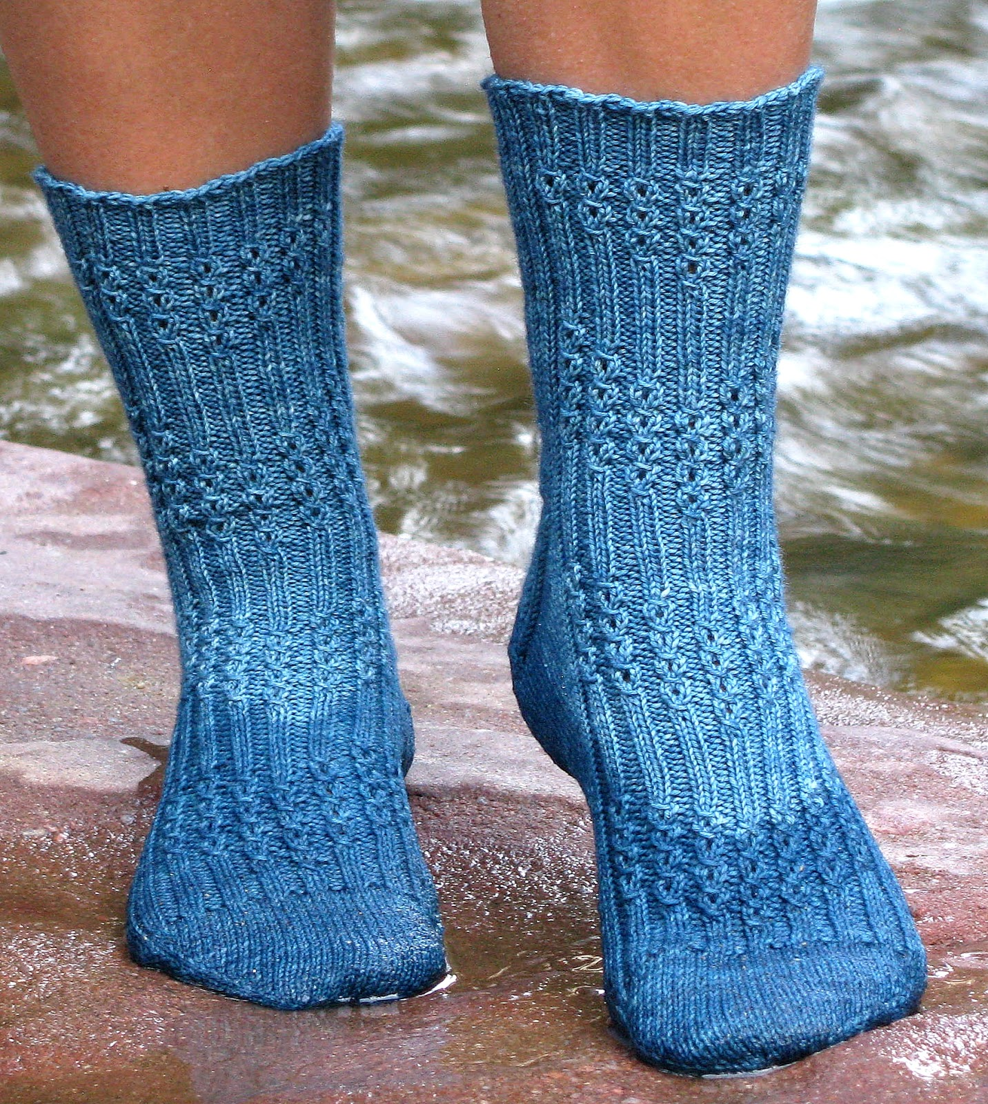 http://www.ravelry.com/patterns/library/riverwalk-socks