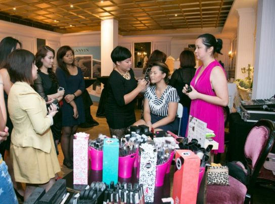 antoinette bellabox event mememe cosmetics