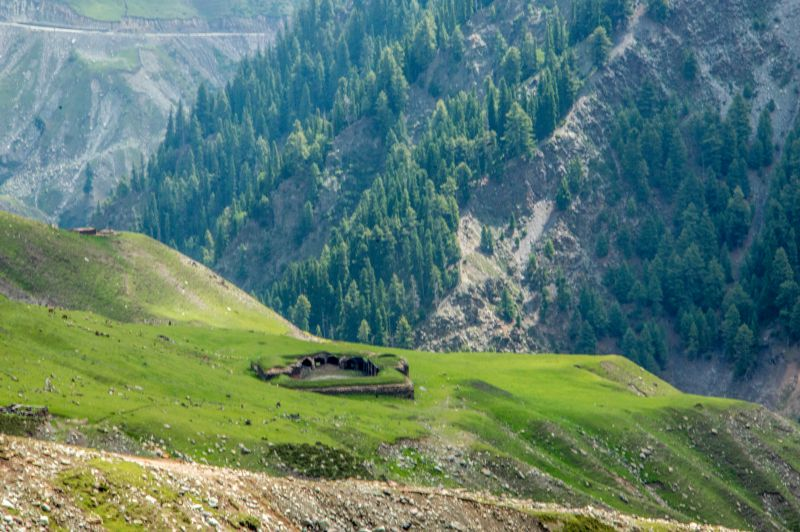 An abandoned inn of Mughal era on Mughal Road