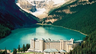 top-10-honeymoon-destinations-fairmount-chateu-lake-louise