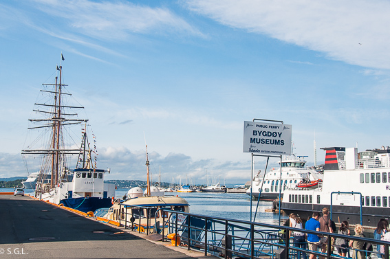 Ferry a la peninsula de Bygdoy en Oslo