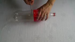 Membuat Tempat Kado Unik dari Botol Bekas Sendiri