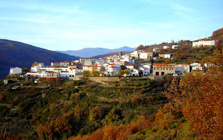 Entre setas y concurso de pintura en Barrado. Otoñada Valle del Jerte