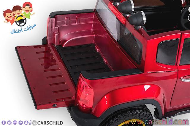 سيارة اطفال حمراء
