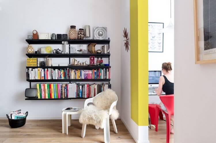 baldas en el salón como librería