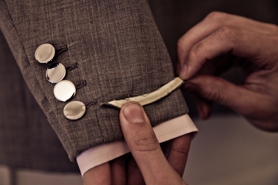 How to pick buttons for a suit – Permanent Style
