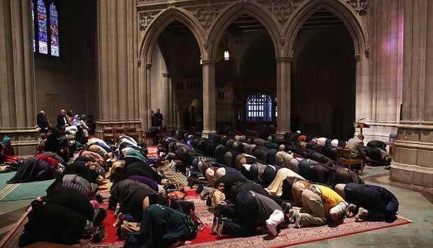Satu Gereja Masuk Islam Setelah Mendengar Penjelasan Ini