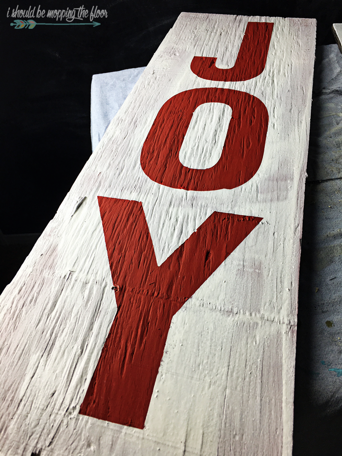 How to Make a Weathered JOY Sign with PERFECT Lettering | Options to make without a vinyl machine, too.