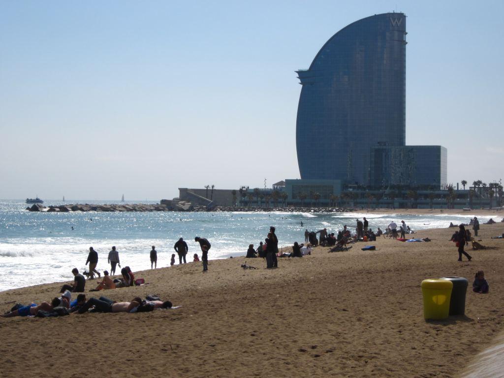 Hotel Vela Next To The Beach In Barcelona