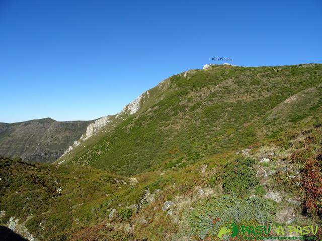 Ruta al Cornón por el Valle los Cereizales: Peña Canseco desde la Laguna Fontarente