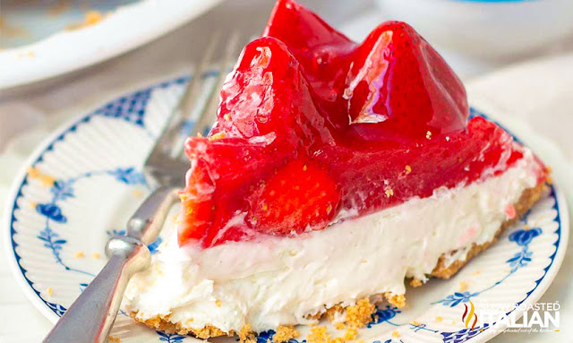 No-Bake Strawberry Cheesecake
