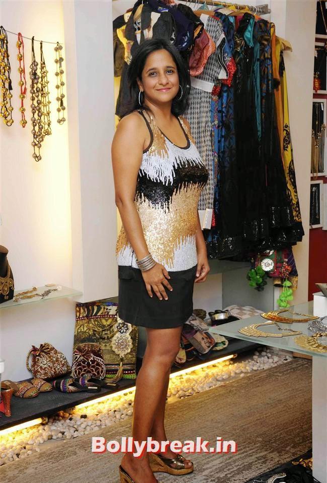 Renu Bothra, Akanksha Agarwal at 'YOU Presents Resort Wear Collection'