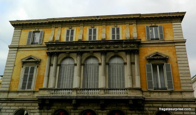 Casarão neoclássico no bairro de Monti, em Roma