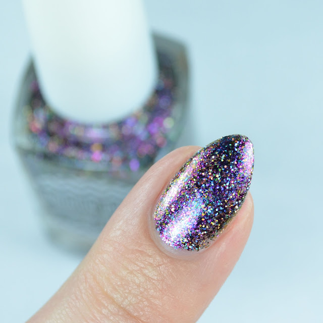 Holographic purple multichrome nail polish