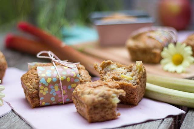 Schmand Rhabarber-Apfel Kuchen