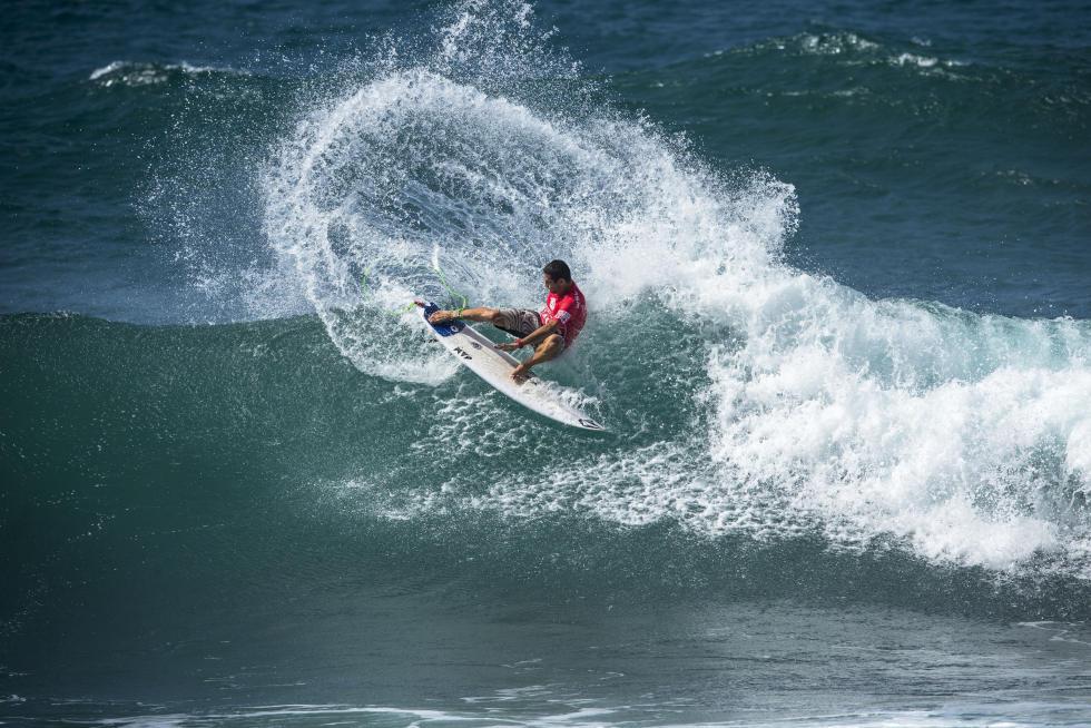 7 Gony Zubizarreta ESP Martinique Surf Pro foto WSL Poullenot Aquashot