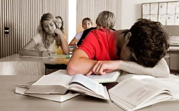 Gambar mengatasi penyebab malas saat belajar bahasa inggris di kelas