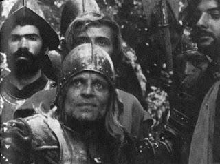 Don Lope de Aguirre, protagonista de Aguirre, la cólera de Dios, rodeado de sus fieles tropas. Tecnoculturas.com