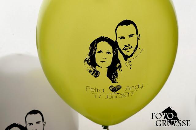 http://de.dawanda.com/product/106584619-foto-luftballons-bedruckt-50-stueck