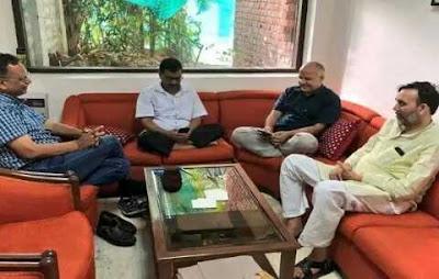 केजरीवाल का धरना सोशल मीडिया न्यूज़ इंडिया हिंदी