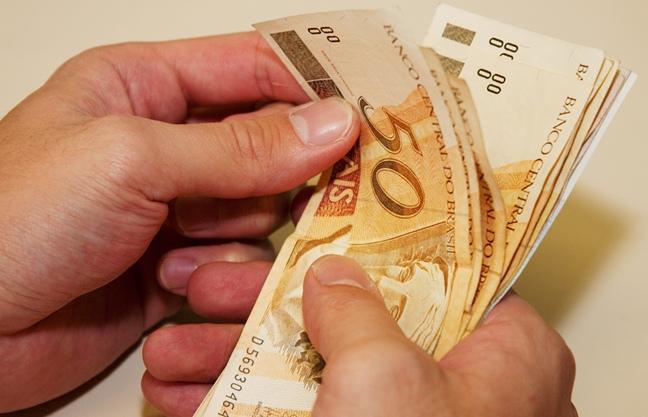Novo salário mínimo R$ 937 entra em vigor no dia 1° de janeiro