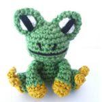 http://www.supergurumi.com/amigurumi-crochet-frog-pattern