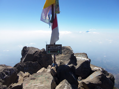 puncak gunung arjuna