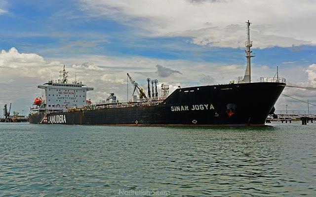 Kapal Tanker Minyak Sinar Jogya
