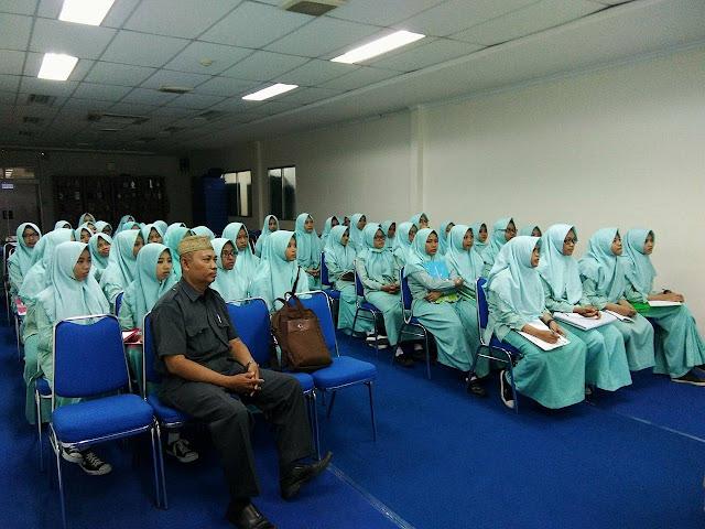 MA Banu Hasyim Kunjungi Media Koran Surya di Surabaya