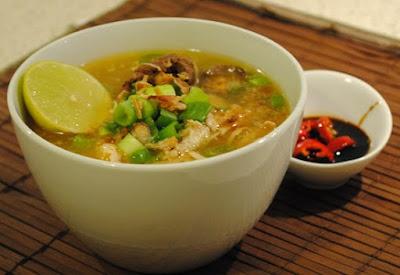 Sajian Soto Daging Kuah Santan Kuning Enak, Lezat dan Sederhana