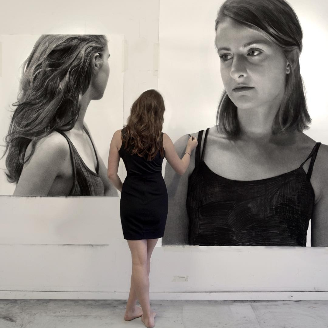 09-Clio-Newton-Enormous-Gigantic-Realistic-Charcoal-Portraits-www-designstack-co