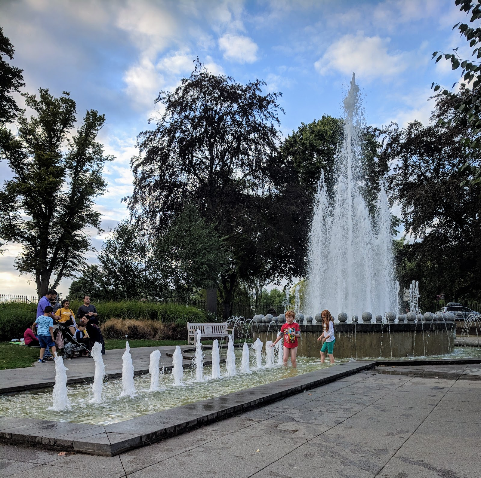 Are Travelodge SuperRooms worth it?  (Travelodge Windsor Central Review) - diamond jubilee fountains