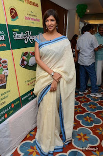 Lakshmi-Manchu-Latest-Stills-at-Junior-Kuppanna-Restaurant-Launch