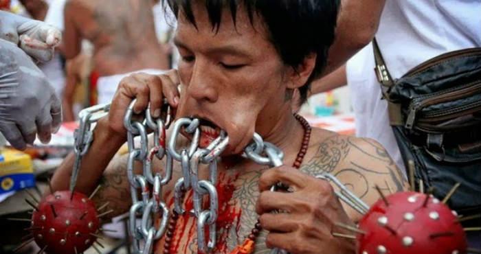 5 Ritual Paling Seram yang Pernah Ada di Dunia