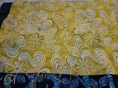 Gaun Batik Modern Batikdlidir dengan tehnik tie dye