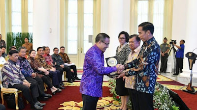 Banyuwangi mendapat Anugerah Dana Raksa.