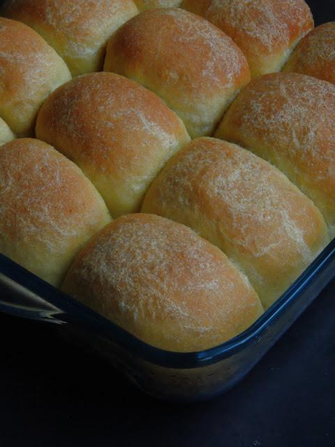 Eggless Semolina Bread rolls