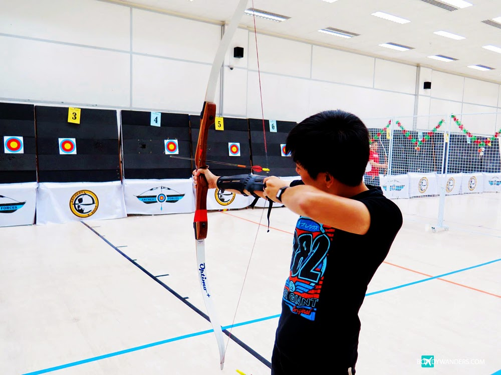 bowdywanders.com Singapore Travel Blog Photo Philippines South East Asia :: Singapore :: Indoor Archery Range in Singapore: Why Not Try All Out Fast-Fun Shooting Spree