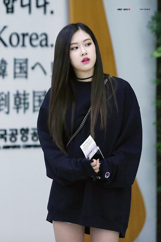 500 231945 1506065006 - Blackpink Rose Airport Style