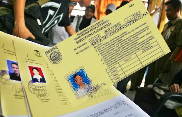 Warga Tanggamus Buat Kartu Kuning Cukup di Kecamatan Setempat