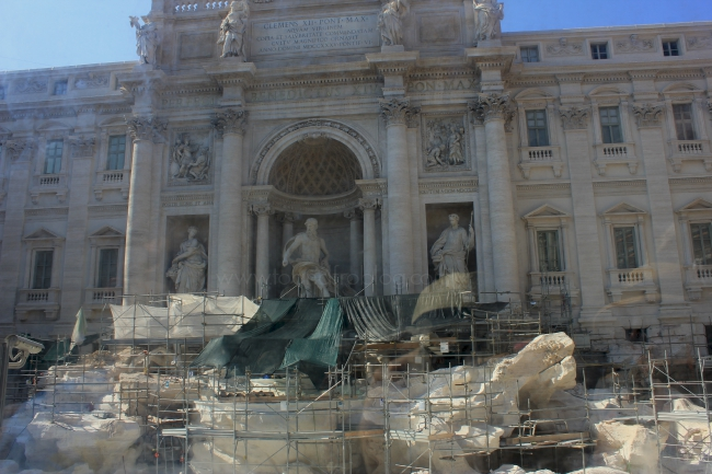 things to do in Rome; trevi fountain