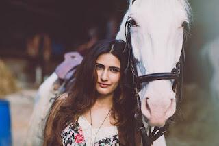 Fatima Sana Shaikh picture with horse