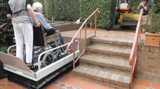 Podnośnik pionowy dla osób niepełnosprawnych