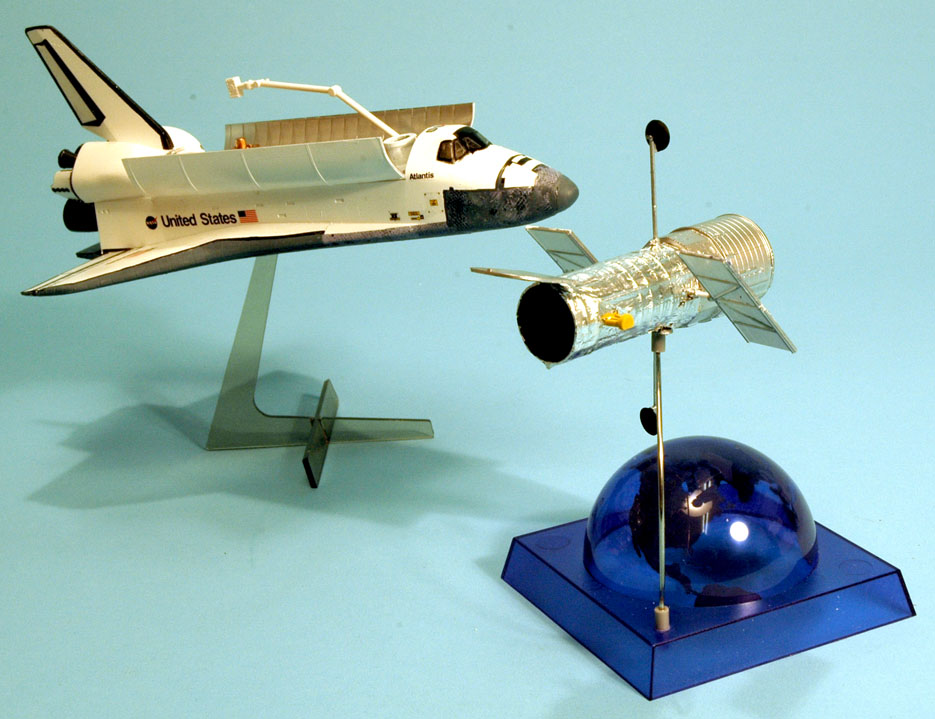 Scale Model News: HASEGAWA SPACE SHUTTLE AND HUBBLE SPACE ...